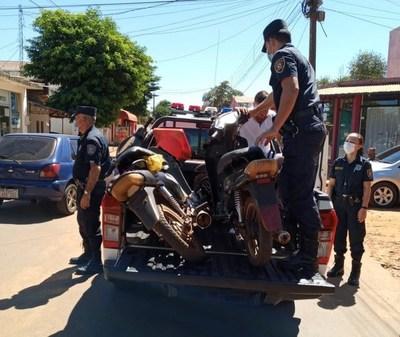 Demorados en intervención de la policía en Campo 9