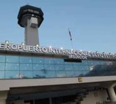 Aíslan a pasajera con fiebre que cruzó aeropuerto Silvio Pettirossi