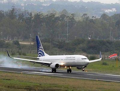 Paraguayos varados llegan en vuelos especiales