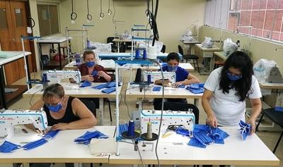 SNPP fabrica tapabocas para Salud Pública
