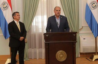 """Ministro de la SEN podría renunciar ante intento de seccionaleros de """"politizar"""" entrega de kits alimentarios"""