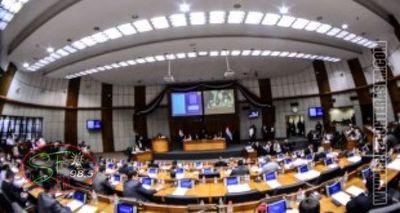Prórroga de las elecciones, el tema que hoy analizarán diputados y el presidente del TSJE