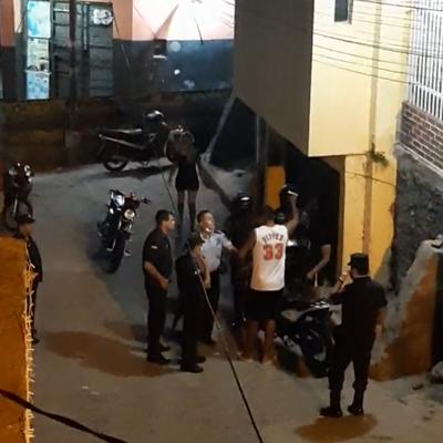 Hombre fue detenido y puesto a disposición de la Fiscalía tras agredir a comisario