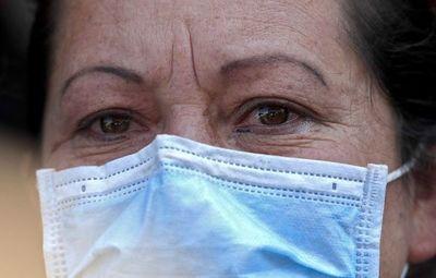 Infectólogos sí recomiendan el uso general de mascarillas