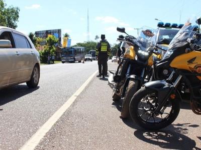 Patrulla Caminera recuerda que está prohibido parar totalmente la circulación en las rutas