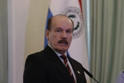 'Estamos en una guerra y la victoria se dará mediante la aplicación estricta de las medidas sanitarias', asegura ministro