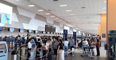 Paraguayos salieron a vacacionar en plena crisis y ahora piden auxilio para volver
