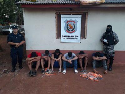 """Cerca de 100 arrestados por """"no quedarse en casa"""" en CDE"""