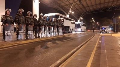 HOY / Aíslan a 73 paraguayos llegados del Brasil
