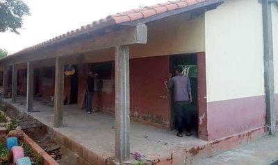 Reparan aulas en Mallorquín