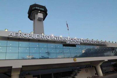 Cancelan arribo de vuelos comerciales y privados que vengan del exterior