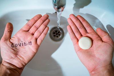 """Ministerio de Salud: """"El uso del alcohol en gel no reemplaza el lavado de manos"""""""