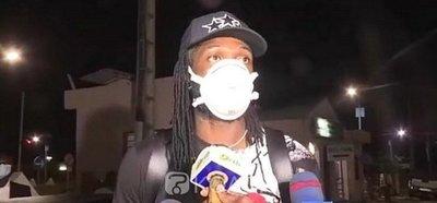 Adebayor quedó en cuarentena en Benín