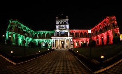 Palacio de López brilló con colores de la bandera italiana