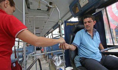 Choferes y empresarios proponen paro total de buses para frenar propagación de coronavirus