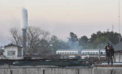 Cinco presos muertos en Argentina durante motines en reclamo de medidas contra COVID-19