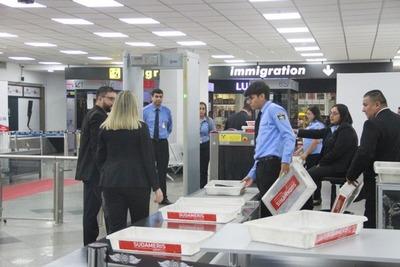 Paraguay decide cerrar los aeropuertos para vuelos comerciales