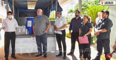 UNI entregó alcohol en gel e hidroalcohol al Gobernador de Itapúa