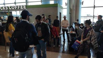 """COVID-19: """"Queremos que los compatriotas retornen lo antes posible"""", dice ministro de Repatriados"""