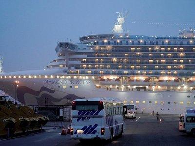 Termina la desinfección del crucero afectado por el Covid-19 en Japón