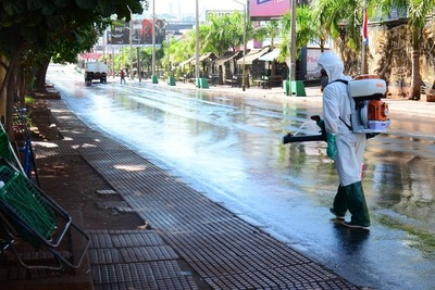 Municipalidad de CDE realiza desinfección de espacios públicos