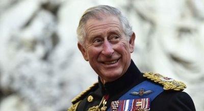El Príncipe Carlos dio positivo a COVID19