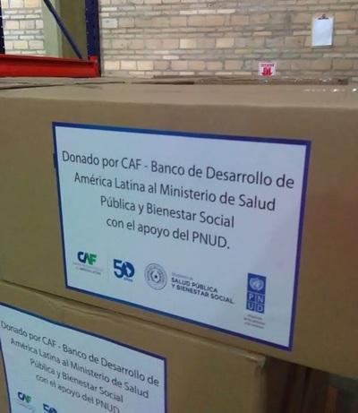 El Ministerio de Salud recibió 200.000 mascarillas en donación