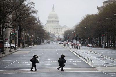Casa Blanca y senadores logran acuerdo de estímulo de 2 billones de dólares