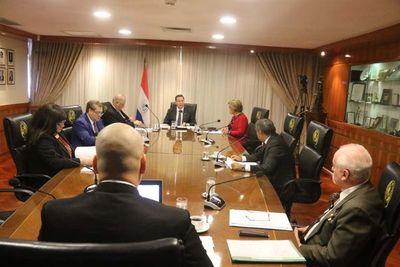 Ministros de la Corte violan medida sanitaria al sesionar