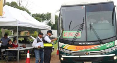 Coronavirus: Transportes a lo largo del país se redujeron al mínimo
