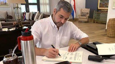 Mario Abdo promulgó la Ley de Emergencia