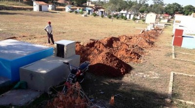 Psicosis en Luque: niegan entierro masivo tras excavación en cementerio