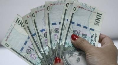 HOY / Nueva ley de emergencia suspende aumentos salariales y recorta privilegios