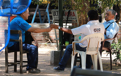 ENTRE LOS RIESGOS POTENCIALES DE CONTAGIO SE ENCUENTRAN NUESTRAS COSTUMBRES