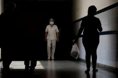 Enfermeras ruegan insumos de protección contra coronavirus.