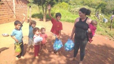 La solidaridad no espera: donan kits a necesitados