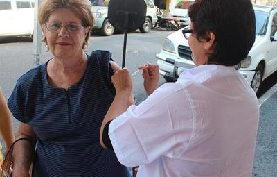 Vacunas contra la influenza llegarán en abril