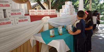 Gobernador dispone distribución de merienda y almuerzo escolar