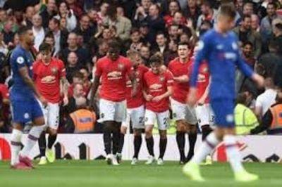 El fútbol profesional inglés asume decisiones difíciles