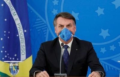 """HOY / """"Brasil no puede parar y solo pensar en el coronavirus"""", dice Bolsonaro y pide volver a trabajar"""
