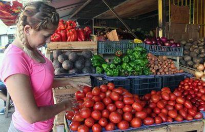 Salud recomienda comer saludable para fortalecer defensas