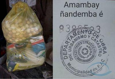 Miserables: Utilizan kits de alimentos de la Municipalidad para directamente hacer campaña política