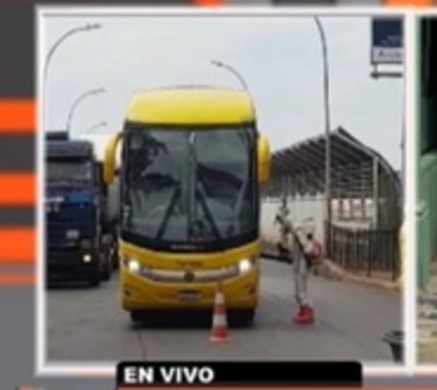 155 paraguayos llegaron de Brasil este domingo