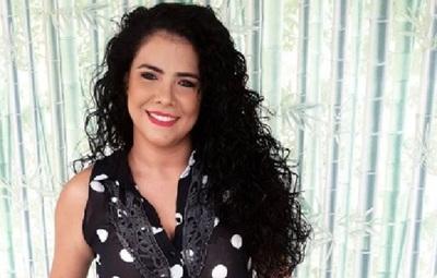 Navila Ibarra sugiere que se les de una bonificación especial al personal de blanco