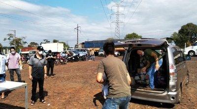 Comerciantes donan canastas de alimentos a familias vulnerables en Ciudad del Este