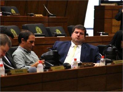Legisladores solicitan a  Marito que  proceda  a recortar los  sueldazos