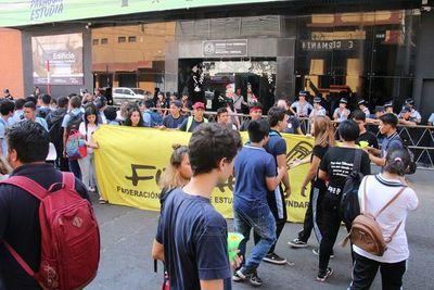 """""""Cuarentena sin hambre"""", campaña lanzada por estudiantes"""