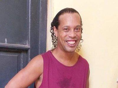 Así pasa Ronaldinho la cuarentena por coronavirus en Paraguay