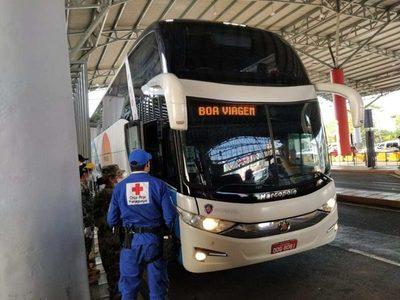 Más de 50 paraguayos ingresan desde Brasil por el Puente de la Amistad