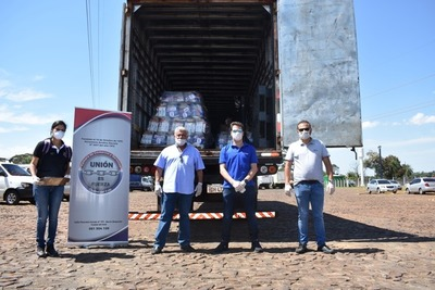 Comerciantes de CDE entregan alimentos a taxistas y trabajadores informales